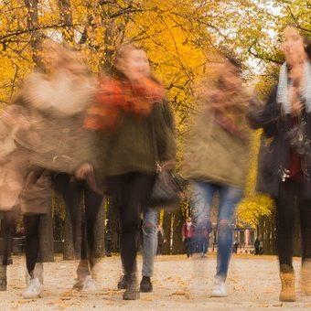 Herbst-Kleidertauschparty im Zukunftsraum!
