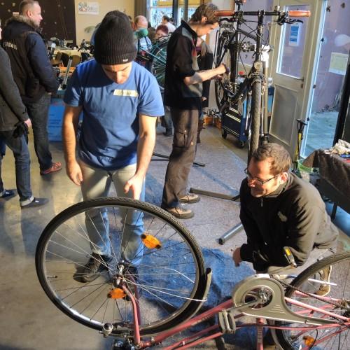 Das Rad rollt wieder - unser erstes ReparaturCafé!