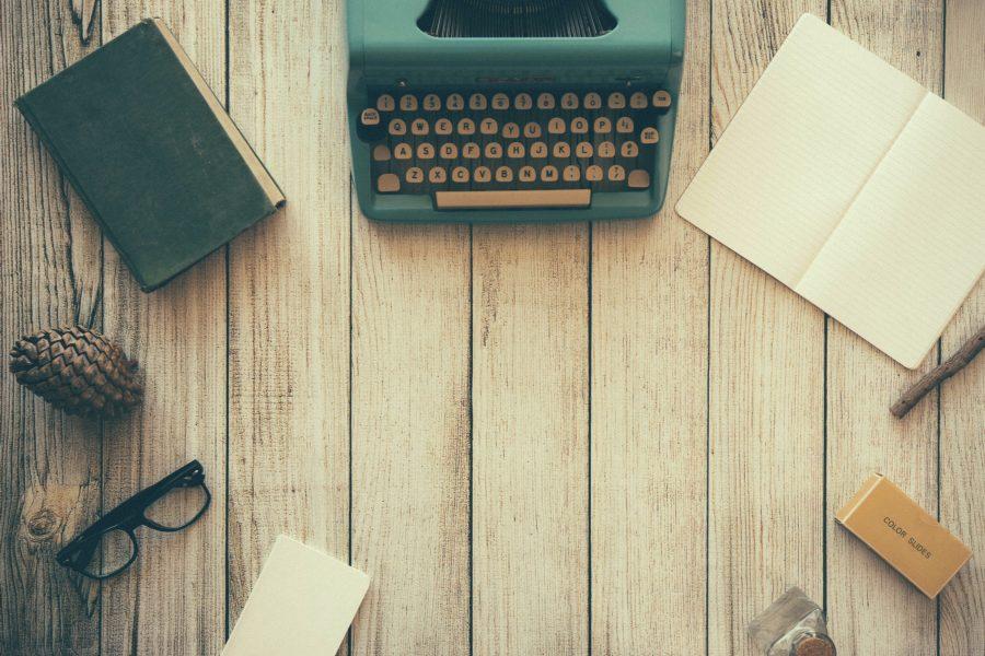 typewriter-801921